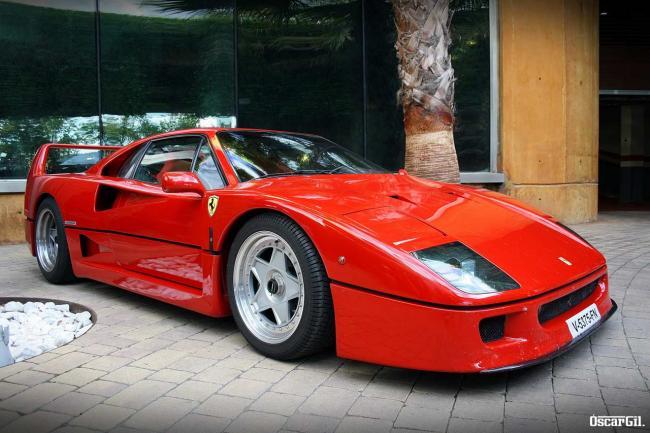 Ferrari_F40_16