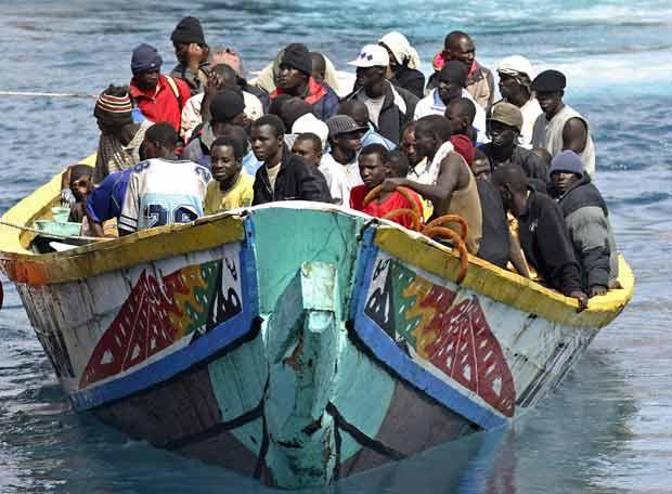 arriba_tenerife_cayuco-inmigrantes