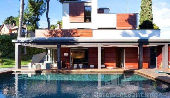 Lexterior-casa-piscina-pedralbes