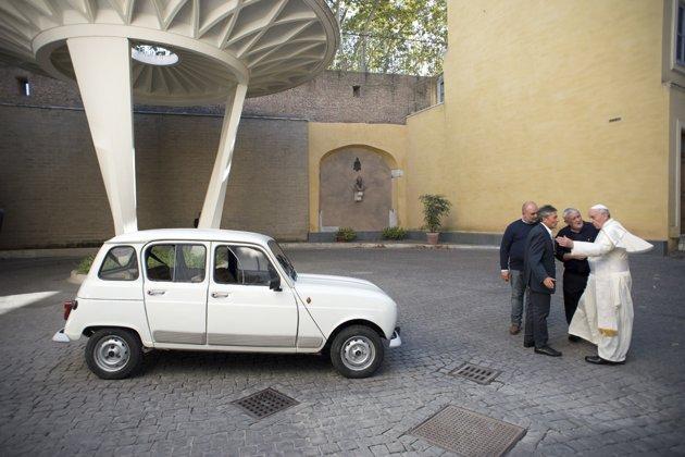renault-4-coche-papa