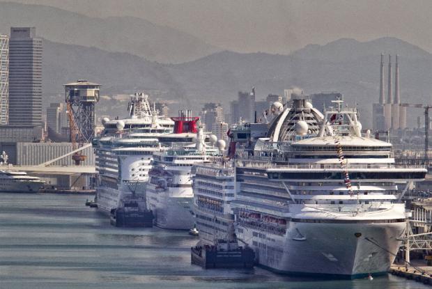 cruceros_atracaron-Barcelona